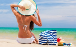 Picture beach, girl, the ocean, stay, vacation, glasses, hat, bag