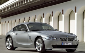 Picture wall, sunlight, paved area, BMW Z4 Coupe
