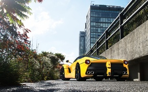 Picture the building, supercar, ferrari, laferrari