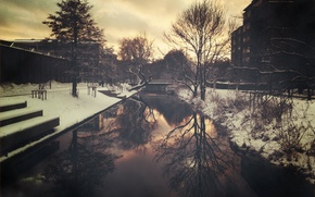 Picture water, snow, trees, bridge, the city, mediocrity, home, the evening