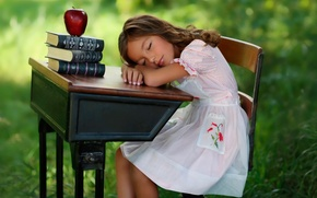 Picture girl, Apple, books, sleep