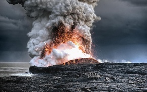 Picture the ocean, the volcano, the eruption, lava, Hawaii
