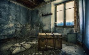 Wallpaper room, chest, window