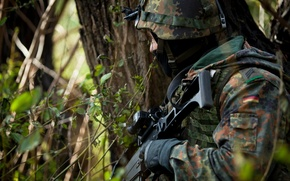 Picture weapons, soldiers, German Army Paratrooper