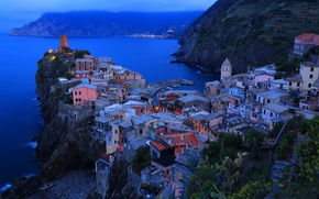 Picture sea, night, the city, lights, rocks, home, Italy