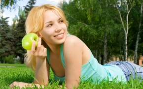 Picture forest, grass, girl, nature, Apple, blonde, t-shirt, brown-eyed