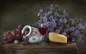 Picture wine, cheese, shell, grapes, asters