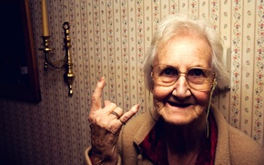 Picture Wallpaper, grandma, glasses, gesture, candle holder