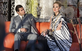 Picture on the couch, sitting, Henry Cavill, Henry Cavill, Elizabeth Debicki, Elizabeth Debicki, Agents A. N. …