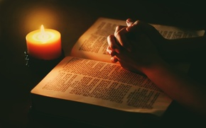 Picture light, hands, candle, bible, praying
