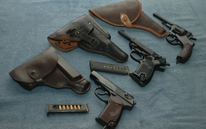 Picture gun, weapons, holster, revolver, Walther, Makarova