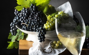Wallpaper green, glass, wine, plate, leaves, black background, black, tablecloth, grapes