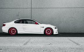Picture wall, BMW, minimalism