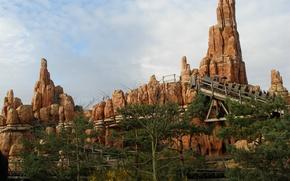 Picture France, Disneyland, slides