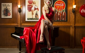 Picture dress, singer, Rita Ora, Coca-Cola Bottle