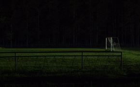 Picture night, football, gate