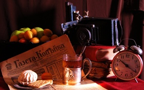 Picture glass, background, tea, apples, watch, books, cookies, alarm clock, the camera, vase, fruit, spoon, apricots, ...