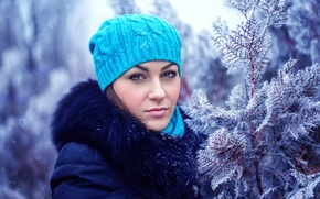 Picture winter, frost, girl, snow, branches, hat, collar, coat