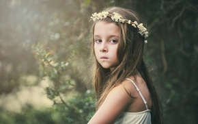 Picture sadness, look, flowers, background, mood, widescreen, Wallpaper, child, girl, wallpaper, girl, wreath, widescreen, flowers, background, ...