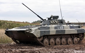Picture dirt, BMP-2, Russian tracked infantry fighting vehicle, Object 675