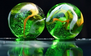 Wallpaper glass, balls, colorful