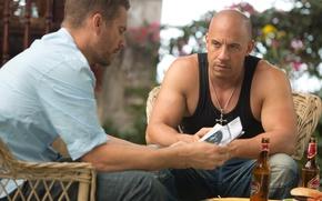 Picture frame, Mike, bottle, VIN Diesel, table, Paul Walker, cross, Vin Diesel, Paul Walker, Dominic Toretto, …