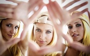 Picture look, smile, emotions, Hayden Panettiere, gestures