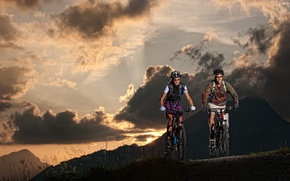 Picture nature, woman, the evening, male, cyclists, tourists