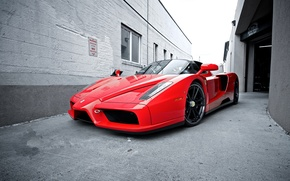 Picture the sky, red, the building, Windows, lane, ferrari, Ferrari, front view, enzo, Enzo, red.side street