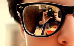Picture reflection, glasses, Wallpaper