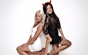 Picture photoshoot, dresses, 2 girls
