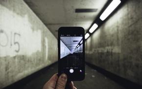 Picture light, photo, iPhone, corridor, fingers