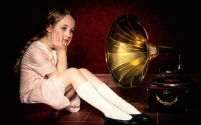 Picture girl, record, gramophone