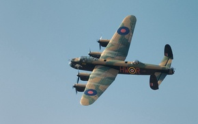 Picture the sky, the plane, Avro Lancaster