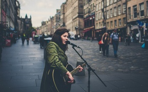 Picture music, people, street, England, London, guitar, microphone, musician, singer, bokeh, city, rainy
