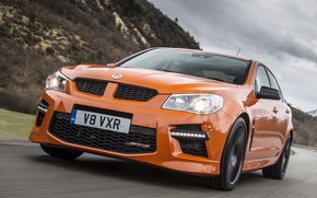 Picture movement, track, Vauxhall, VXR8, GTS