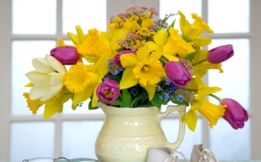 Picture yellow, bouquet, pitcher