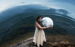 Picture girl, earth, ball