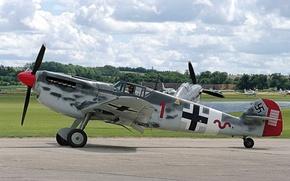 Picture Me-109, German, single-engine, WW2, Messerschmitt Bf.109, piston fighter