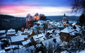 Picture winter, forest, snow, trees, sunset, castle, the evening, Germany, houses, fortress, Saxony, Hohnstein