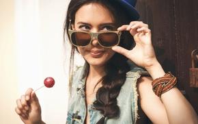 Picture look, girl, smile, background, Wallpaper, mood, hat, brunette, glasses, wallpaper, bracelet, girl, hat, hat, smile, …