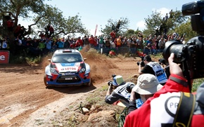 Picture turn, skid, ford, Ford, gravel, rally, rally, wrc, Fiesta, the audience, fiesta, lotos, robert kubica