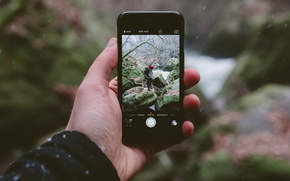 Picture winter, snow, landscape, river, stones, photo, iPhone, hand, male, mucus, bokeh, driftwood