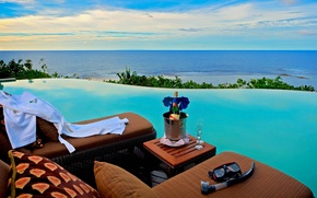 Picture terrific infinity pools, fresh drink, blue sea view