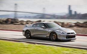 Picture in motion, Nissan, autowalls, nissan gtr