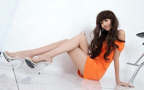 Picture SHOES, LOOK, DRESS, FEET, BROWN hair, ASIAN