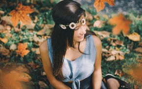 Picture leaves, brunette, maple, sitting