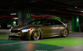 Picture light, BMW, drives, underground Parking, M4