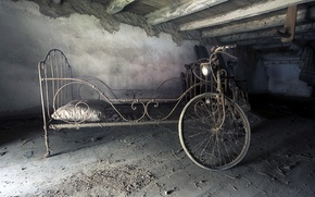 Picture bike, bed, attic