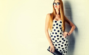 Picture girl, pose, background, wall, brick, makeup, figure, dress, glasses, hairstyle, handbag, red